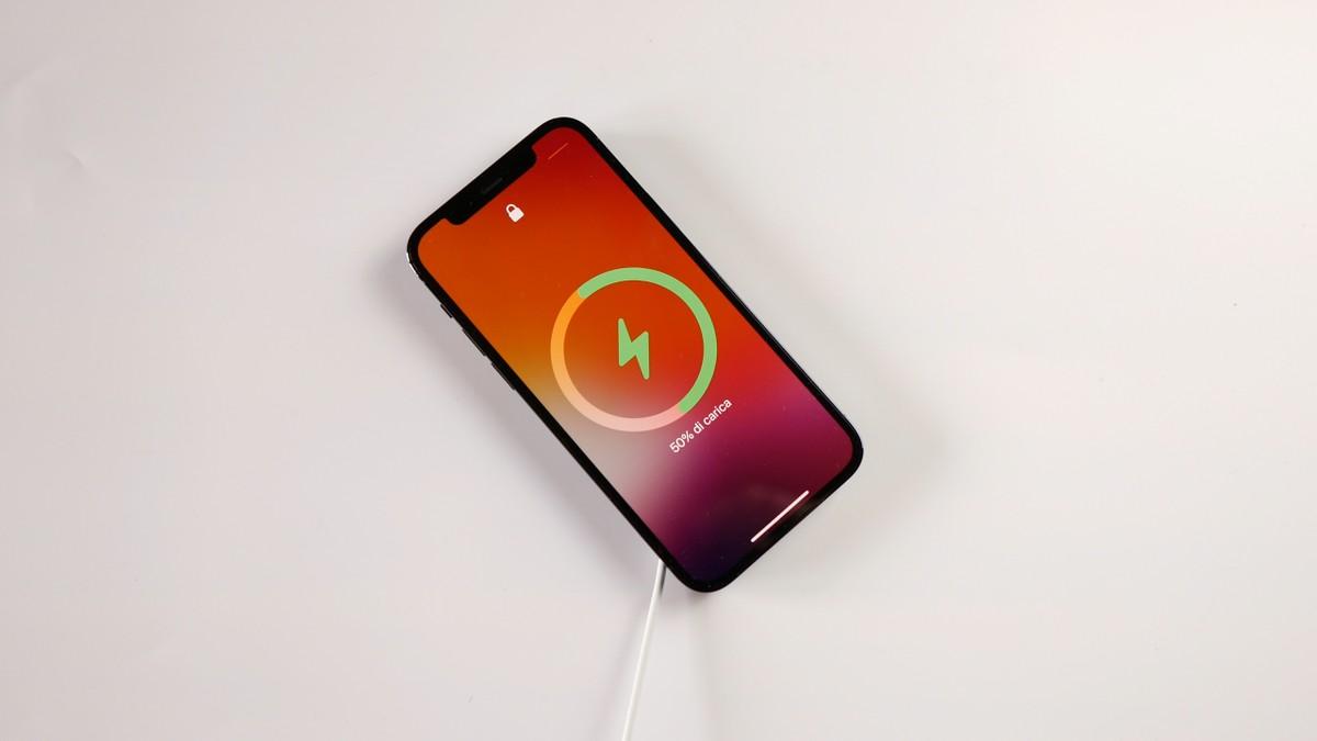 iPhone, MagSafe interfère avec les stimulateurs cardiaques et les DAI: confirmation des médecins