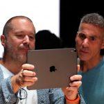 Dan Riccio supervisera le développement des casques AR et VR d'Apple |  Bloomberg