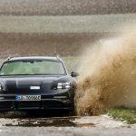 Porsche Taycan Cross Turismo: en attendant ses débuts, la voici en action sur la route