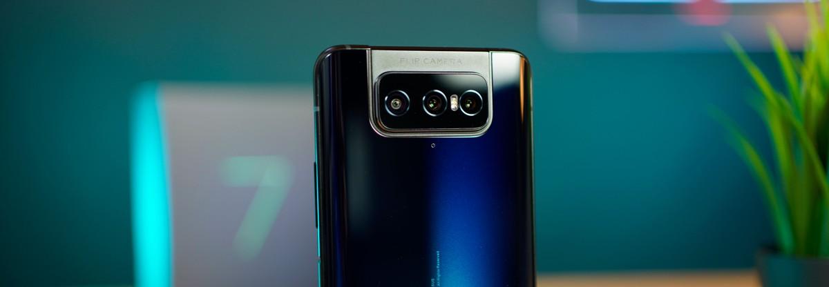 """ASUS Zenfone 8 en fait trois: il y aura aussi un mini 5,9 """"avec Snapdragon 888"""