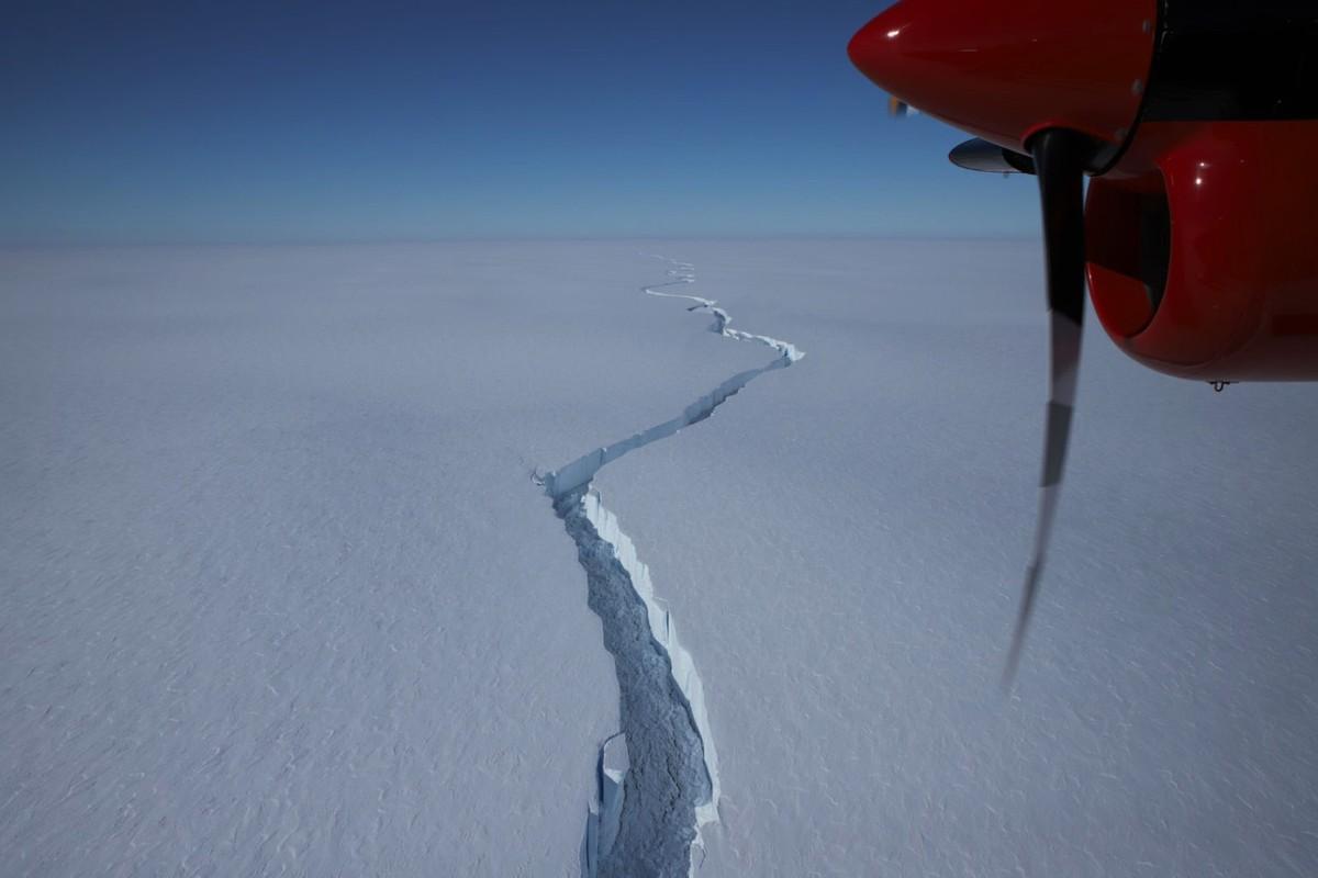 L'iceberg de Gigantesto se détache de l'Antarctique: images de l'incroyable bloc de glace