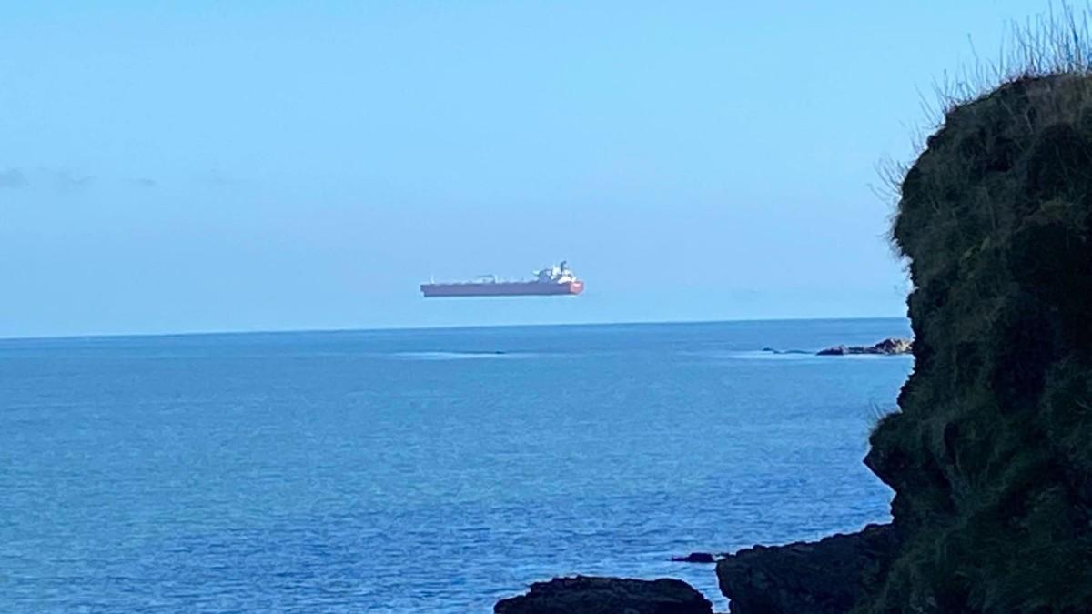 La photo du navire volant fait le tour du monde: le mystère révélé