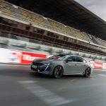 Peugeot 508 Sport Engineered: un cours de conduite sur piste avec la voiture de sport Plug-in