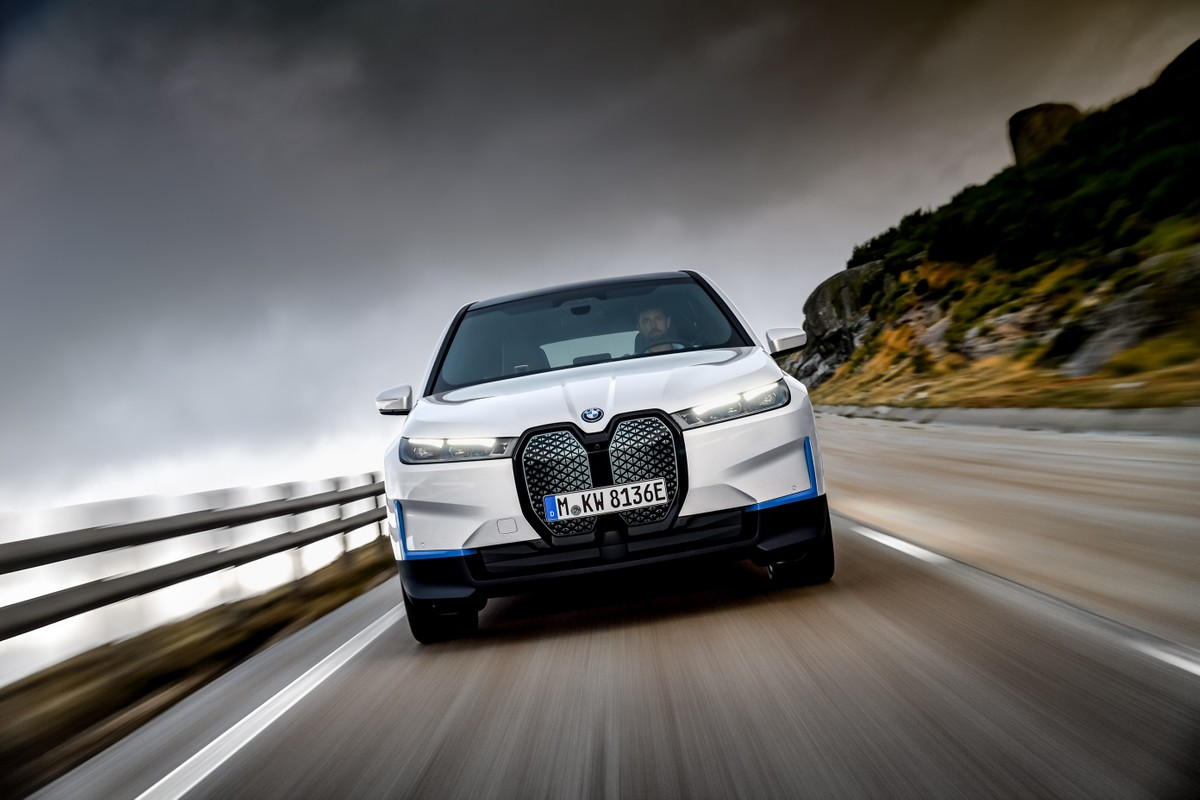 BMW iX, nouveaux détails sur l'électrique: autonomie et prix
