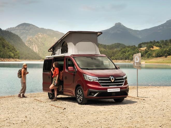 Renault élargit sa gamme de camping-cars : le nouveau Trafic SpaceNomad arrive en 2022