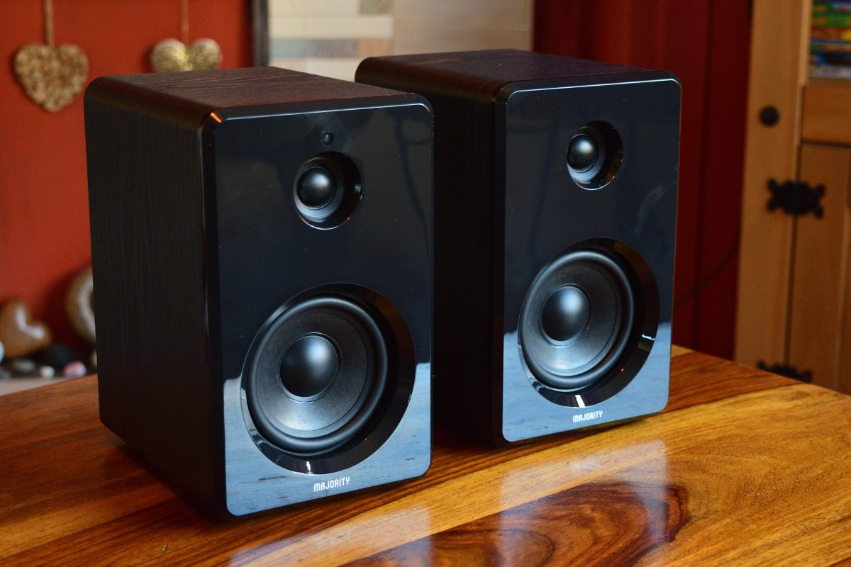 Majority D40 Bookshelf Speakers Review - Quality Sound On A Budget?